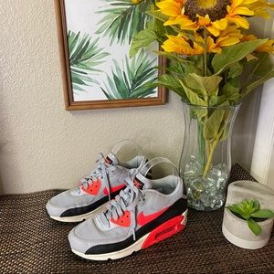 Nike Women's Air Max Shoes Gray 616730-014 size 6
